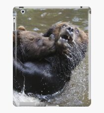 Grizzlis fighting iPad Case/Skin
