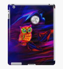 Neon Owl Thunderstorm Flash iPad Case/Skin