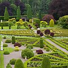 Drummond Castle Gardens by FLYINGSCOTSMAN