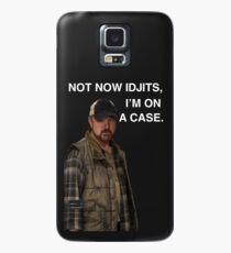 Supernatural - Bobby Singer - Nicht jetzt Idjits, ich bin auf einem Fall - Telefonkasten Hülle & Klebefolie für Samsung Galaxy