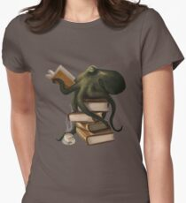 Well-Read Octopus Women's Fitted T-Shirt
