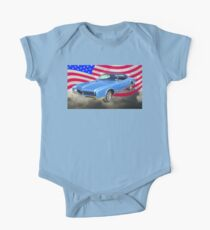 1967 Buick Riviera With United States Flag Kids Clothes