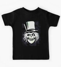 HATBOX GHOST WITH GRUNGY HAUNTED MANSION WALLPAPER Kids T-Shirt