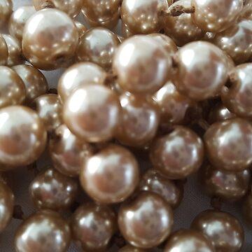 Golden pearl by Sheepandwolf