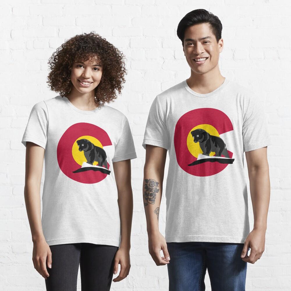 Colorado Black Bear in front of Colorado Flag  Essential T-Shirt