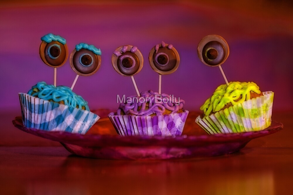 monster inc cupcakes by Manon Boily