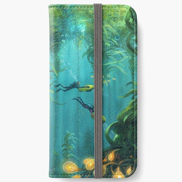 Erkundung des Seetangwaldes iPhone Flip-Case