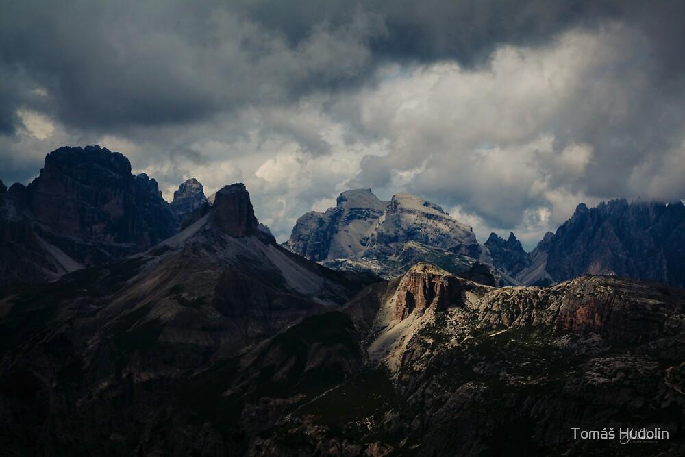 Light peak by Tomáš Hudolin