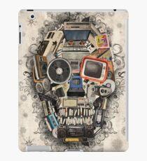 retro tech skull 2 iPad Case/Skin