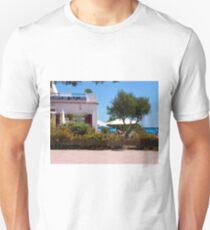 Restaurante Bar Cala LLonga T-Shirt