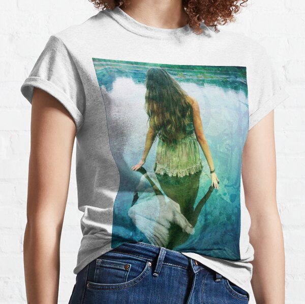 READY TO SPREAD HER WINGS Classic T-Shirt