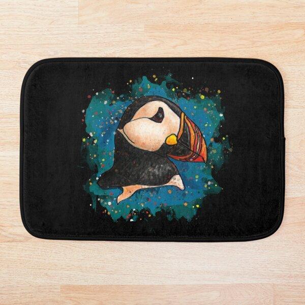 Aquarelle de macareux sur fond noir Tapis de bain