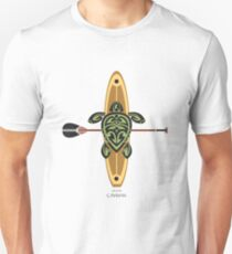 Black & Green Tribal Turtle Stand-Up Wave Rider / Grand Cayman Unisex T-Shirt