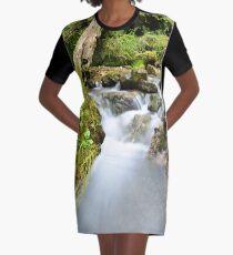 Stromaufwärts T-Shirt Kleid