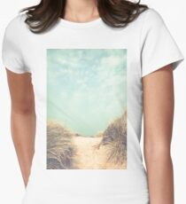 The way to the beach Women's Fitted T-Shirt