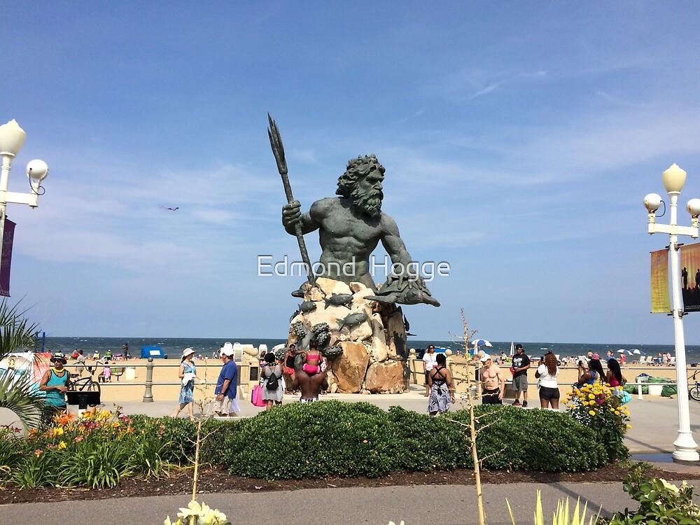 Neptune Monument by Edmond  Hogge