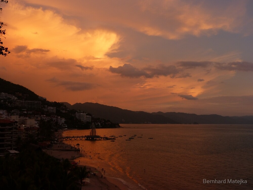 sunset's afterglow - fosforescencia de atardecer by Bernhard Matejka