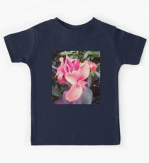 Pink Canna Lily Photo with Dew or Rain Drops Kids Tee