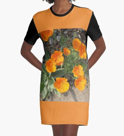 Färbe mich orange! California Poppies T-Shirt Kleid