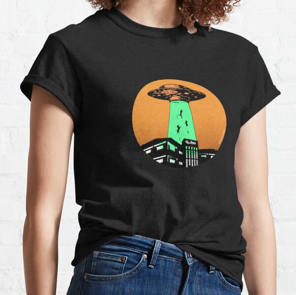 Aliens to the rescue - mission: Animal Testing Classic T-Shirt