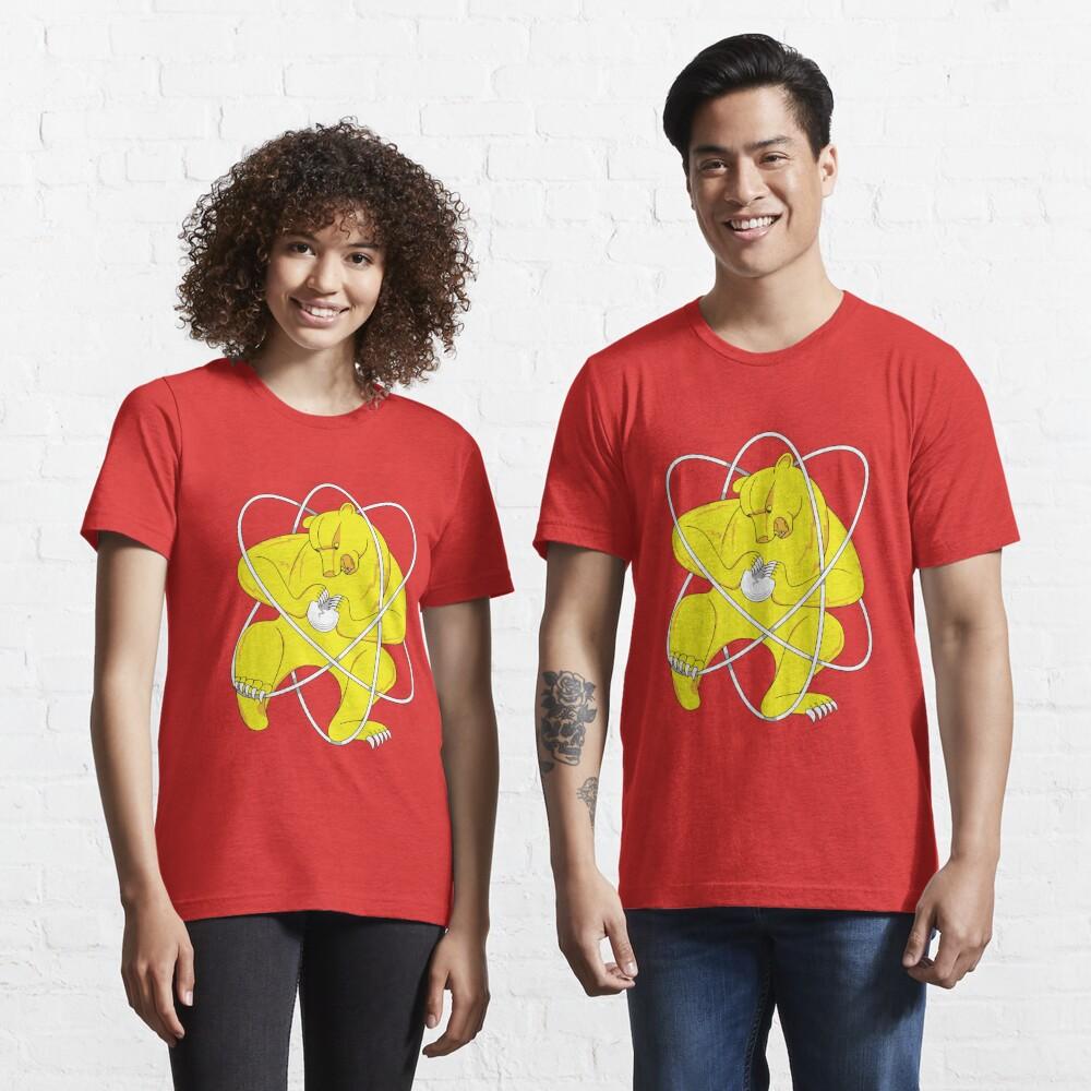 Bear Splitting Atom Zheleznogorsk Flag Essential T-Shirt