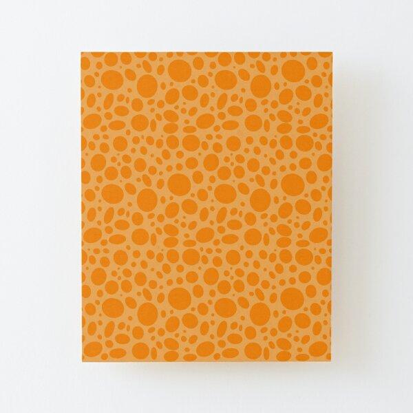 Orange Punkte auf gelb Aufgezogener Druck auf Holz