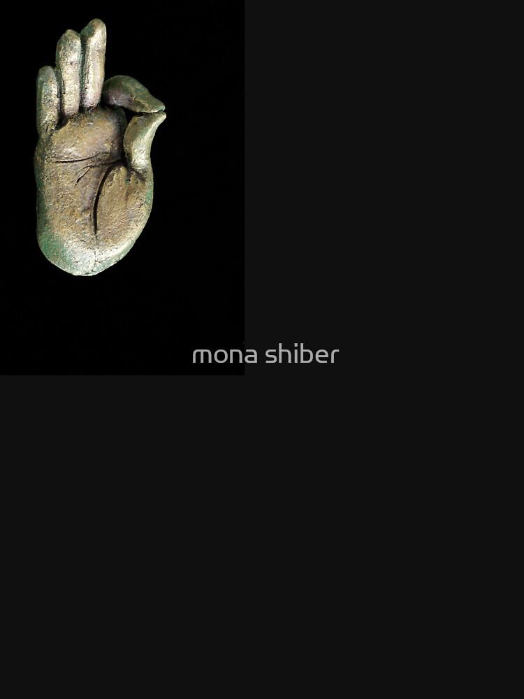 gesturing fearlessness & understanding by MonaShiber