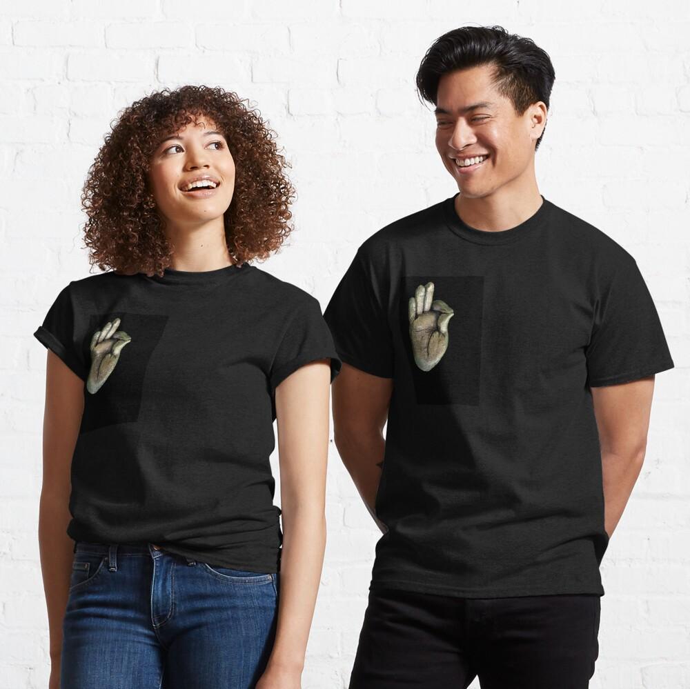 gesturing fearlessness & understanding Classic T-Shirt