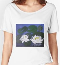 White Waterlily Flowers in Water Pond Women's Relaxed Fit T-Shirt