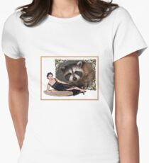 Raccoon lady frame delight Women's Fitted T-Shirt