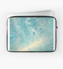 THE SEA OF AQUAMARINE Laptop Sleeve