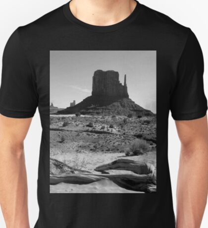 Mittens in Monument Valley ~ Black & White T-Shirt