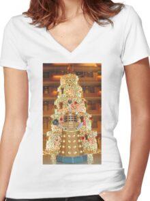 Dalek Christmas Women's Fitted V-Neck T-Shirt
