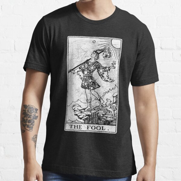 The Fool Tarot Card - Major Arcana - fortune telling - occult Essential T-Shirt