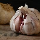 Somebody need some garlic? by Patrick Reinquin