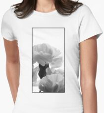 Art Deco-inspired Carnation macro Women's Fitted T-Shirt