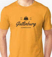 GATLINBURG TENNESSEE MOUNTAIN GREAT SMOKEY MOUNTAINS TYPOGRAPHY T-Shirt