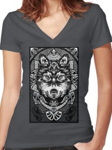 wolf Women's Fitted V-Neck T-Shirt