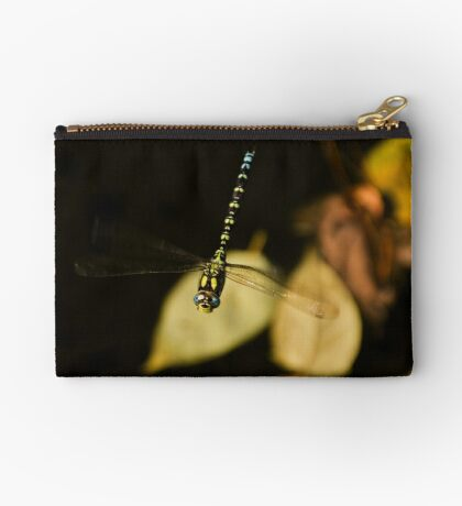 Hovering Zipper Pouch
