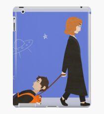 Dana Scully and Fox Mulder iPad Case/Skin