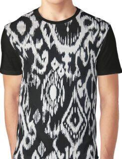 Stencil Blur Graphic T-Shirt