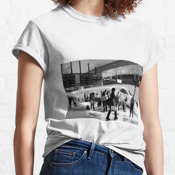 9:36 Shinkansen for Hayabusa - Tokyo, Japan Classic T-Shirt