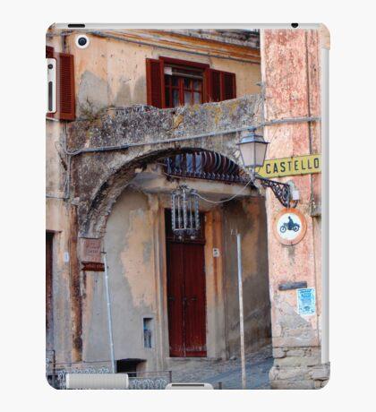 Entering Old Amantea iPad Case/Skin