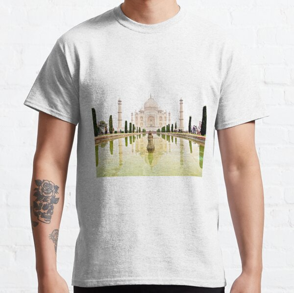 The Taj Mahal at Sunrise in November  Classic T-Shirt
