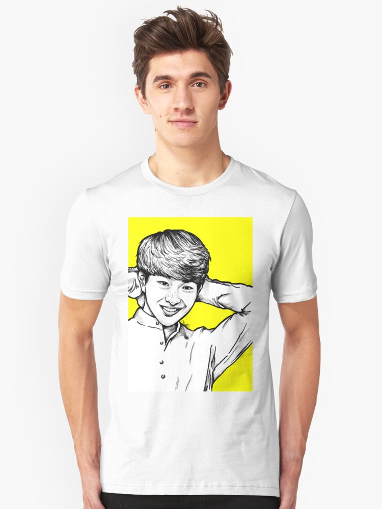 'Onew / Lee Jinki - SHINee 's Leader' T-Shirt by fabisketches