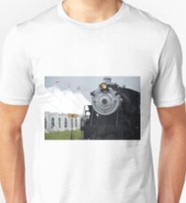 Beautiful Steam Engine Train  T-Shirt