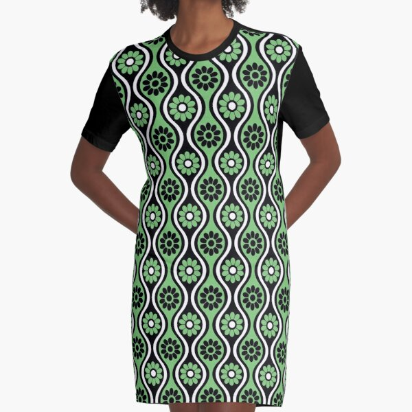 Retro 1970's Style Seventies Vintage Green Pattern Graphic T-Shirt Dress