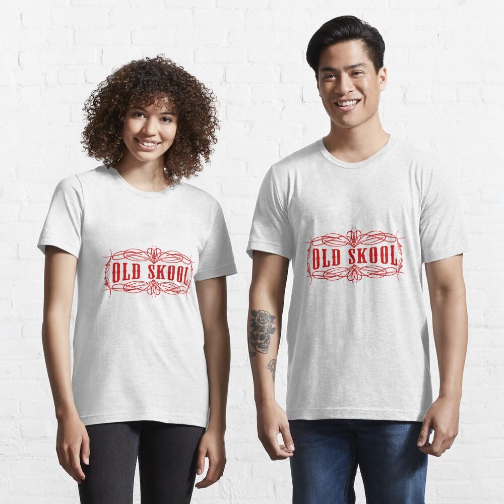 Old Skool Nadelstreifen-Design in Rot Essential T-Shirt
