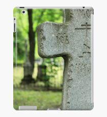 cross gravestone iPad Case/Skin