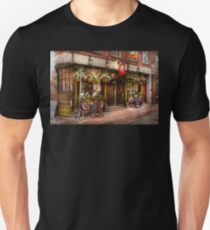 City - Boston MA - The Green Dragon Tavern Unisex T-Shirt